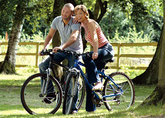 Cycling near Bluewood Holiday Lodges near Kingham in Oxfordshire
