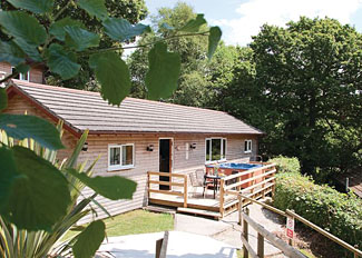 Setting of Retreat Lodge ( Ref LP2663 ) Holiday Lodge at Ivyleaf Combe - Stratton near Bude Cornwall England