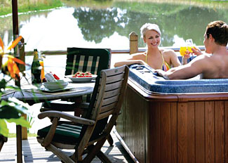 Outdoor hot tub at Oak Lodge - Oakwood Holiday Accommodation North Duffield Yorkshire England