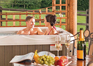 Outdoor hot tub at Spindrifter Lodge ( Ref LP8000 ) Holiday Lodge at Sun Hill - Self catering lodge accommodation near Leyburn North Yorkshire England