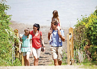 Holiday Lodges with beach access - Woodside - Coastal Retreat in Isle of Wight England