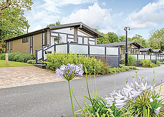 Swinburne Elegance Lodge ( Ref LP9719 ) at Woodside Coastal Holiday Park in Isle of Wight England