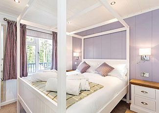 Photo of bedroom in Alverstone Premier Lodge ( Ref LP11482 ) Holiday Lodge near Cowes Isle of Wight - Woodside Bay Lodge Retreat