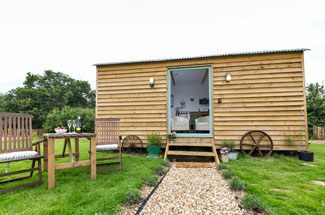 Rosemary sleeps 2 - Holiday Lodges at Buttercup Barn Retreats - Wooton Bridge Isle of Wight