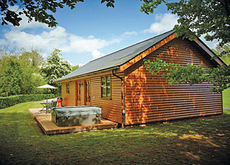 Setting of Kilcot Elite Spa Lodge ( Ref LP7576 ) Ford Farm Lodges Kilcot near Newent Gloucestershire