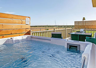 Outdoor hot tub at Landrace Lodge ( Ref LP8954 ) Self catering accommodation at Fairview Lodges in East Yorkshire England