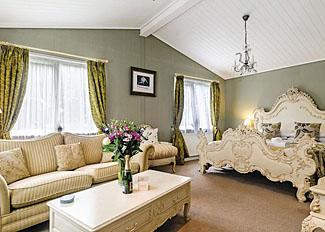 Interior view of Romeo Lodge at Bluewood Lodges ( Ref LP5086 ) Kingham Holiday Lodges in Oxfordshire UK