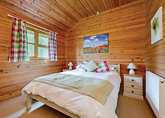 Ford Farm Lodges - Self catering accommodation in Kilcot Gloucestershire England - Typical Kilcot Lodge ( Ref LP1748 )