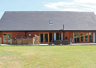 Lincoln Lodge ( Ref LP8203 ) at Bainland Lodges - Sleeps 14 - Self catering lodge accommodation in Lincolnshire England