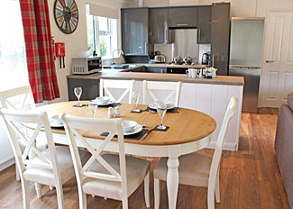 Pinchbeck Lodge kitchen/dining area ( Ref LP13983 ) - Holiday Lodge at Bainland - Lincolnshire Holiday Park in England