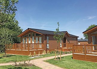 Setting of Rochester Lodge ( Ref LP14310 ) at Canterbury Reach Lodge Retreat - Holiday lodges in Kent England