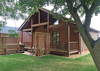 The Kingsmere Lodge ( Ref LP14753 ) at Old Nene Holiday Lodges near Huntingdon Cambrdigeshire