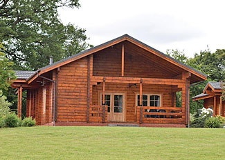 Springpools Lodge setting ( Ref LP4114 ) at Woodside Lodges Country Park - Ledbury Holiday Lodge in Herefordshire UK