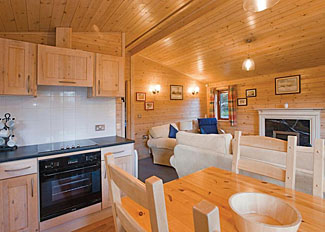 Open plan living area in Woodland Deluxe 2 ( Ref LP11253 ) Fritton Lake Retreats - Holiday lodge in Norfolk England