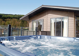 Loch Lomond Holiday Lodges - Lomond Royal 4 Lodge with outdoor hot tub ( Ref LP14170 ) Argyll Holiday Lodge near Tarbet Scotland