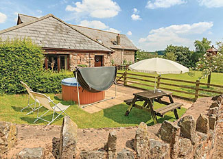 Hilltop Cottage setting ( Ref LP7044 ) Holcombe Rogus Holiday Lodges - Self catering accommodation at Whipcott Water
