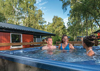 Outdoor hot tub at Thistle 3 Lodge ( Ref LP11492 ) Beauly Holiday Lodge at Kiltarlity Lodges in Scotland