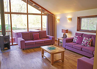 Typical Golden Oak 3 Lodge living area ( Ref LP7358 ) at Blackwood Forest Lodge Accommodation near Micheldever